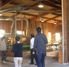 県産材を造る木材工場